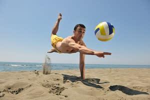 Sandreinigung Baeachvolleyballfeld durch den Sandfuchs